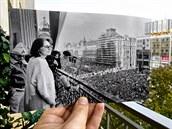 MELANTRICH, 10.12. Při manifestaci v Den lidských práv zazpívala z balkonu Melantrichu na Václavském náměstí Marta Kubišová svou Modlitbu pro Martu.