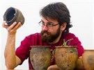 Vědci našli pod povrchem desítky předmětů.