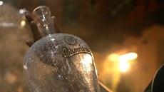 Aukce unikátních pivních lahví u� pot�etí pom�e Centru Paraple