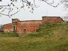 Fort ve Chválkovicích postavený v 19. století, který je součástí jedinečného pevnostního systému, jenž v minulosti chránil Olomouc.