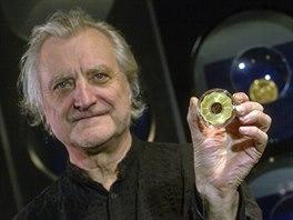 Medaile pro Václava Havla, kterou vytvořil Bořek Šípek