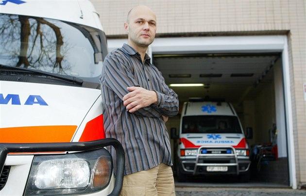 Bývalý vojenský lékař vrací metály. NATO je prý zločinecká organizace