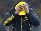NA TO SE NEBUDU DÍVAT. Jürgen Klopp, trenér Borussie Dortmund, klopí oči k zemi poté, co jeho tým prohrál na hřišti Brém. Vicemistr z loňské sezóny se letos nachází v pásmu sestupu.