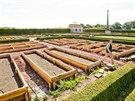 Kastelán Libor Švec se prochází po nových zahradách rekonstruovaného Kuksu (20.8.2014).