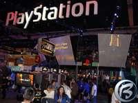 Obří expozice PlayStation, nechybí ani reklamy na novou Laru
