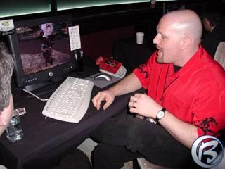 S novináři diskutující šéf Turbine Software (Asheron's Call 2) Jeff Anderson