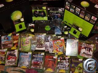 Co všechno jsme koupili: Xbox, 15 různých her, paměťová karta, nějaké redukce a druhý gamepad