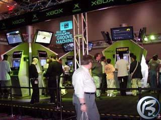 Expozice Xboxu na nejvýznamnějším IT veletrhu Comdex Fall 2001 v Las Vegas