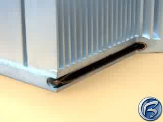 Speciální vývojový heatsink s vloženými měděnými trubičkami pro rychlý odvod tepla ze základny