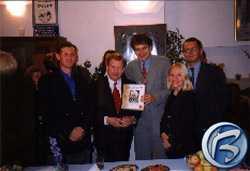 Fotografie ze slavnostního křtu multimediálního titulu vydaného On Time Solutions: Život a dílo Josefa Škvoreckého
