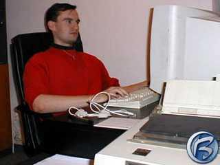Výrobní ředitel Zima Software Radek Smíšek za svým PC
