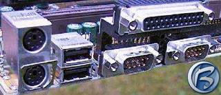 Konektory USB na základní desce
