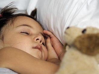 Dítě, spánek - ilustrační foto