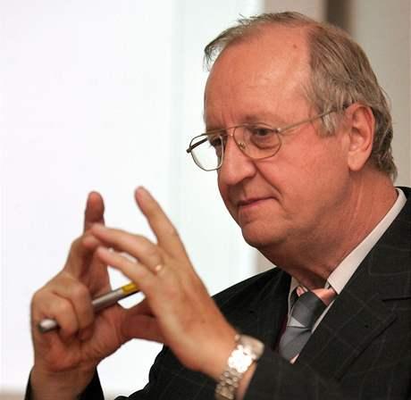 Edmund Lengfelder přednáší v Českých Budějovicích