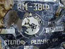Část sovětského letadla nalezeného 40 centimetrů pod zemí. (25.10.2010)