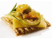 Kanapky se sýrem a papričkami jalapeňo