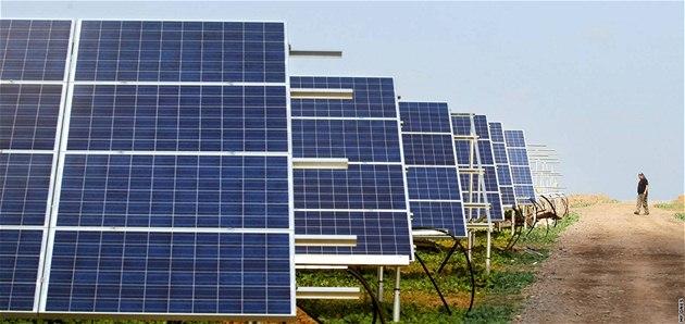 Panely solární elektrárny ve Voděradech. Ilustrační foto