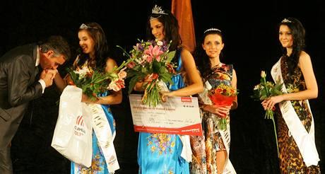 Miss Jihlava open Lenka Hovorková. 1. vicemiss Lucie Zatloukalová a 2. vicemiss Monika Vavříčková