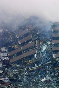Trosky budovy WTC7