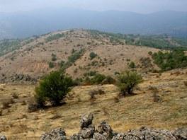 I rázovitá krajina na rozhraní Makedonie a Srbska svým dílem přispěla k
