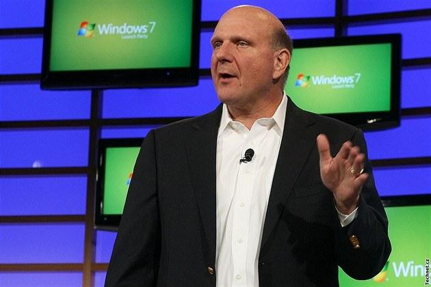 Steve Ballmer při představení Windows 7